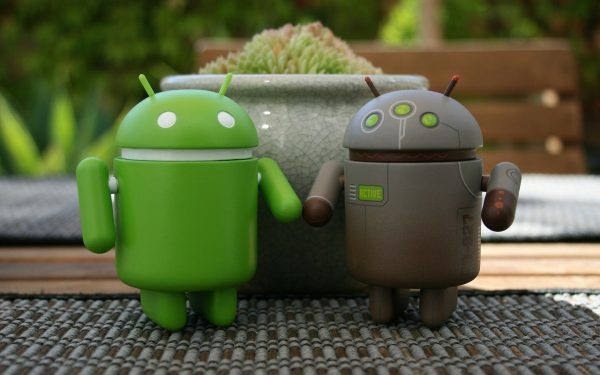 two-androids-thinking-of-android-technology-kotlin-vs-java