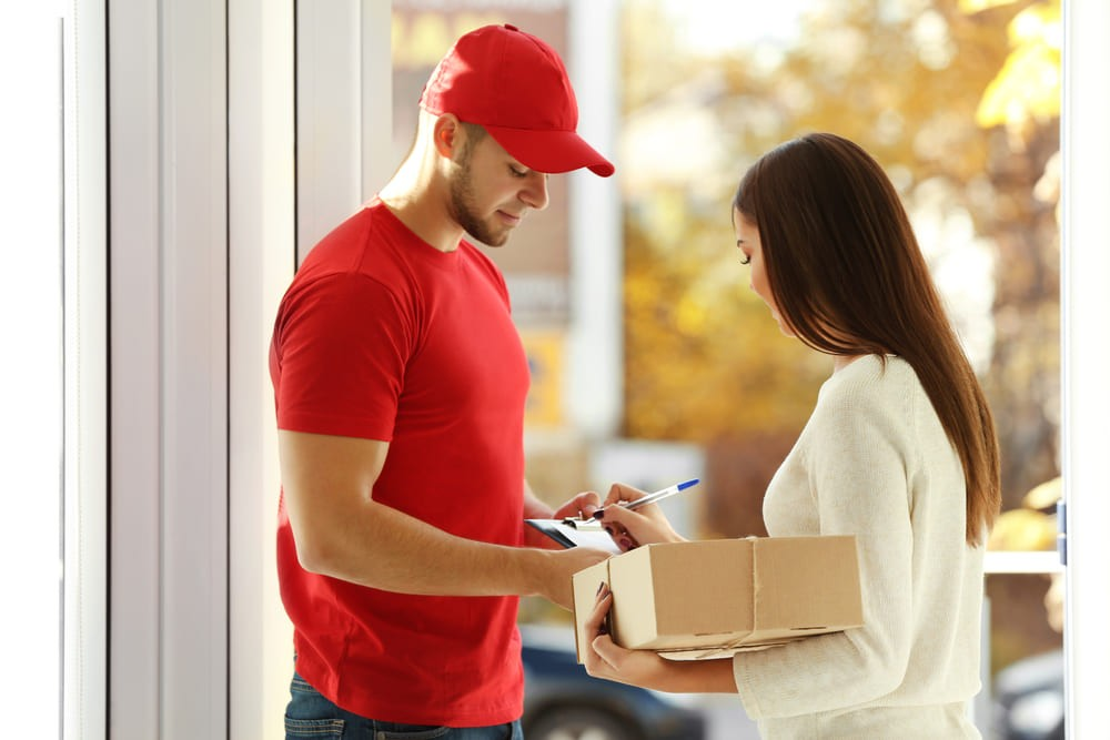 customer-parcel-tracking-app